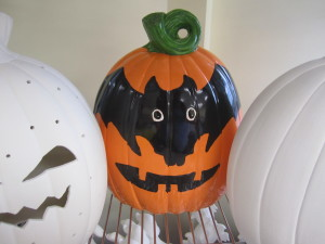 PAINTED LG PUMPKIN WITH BAT EYES